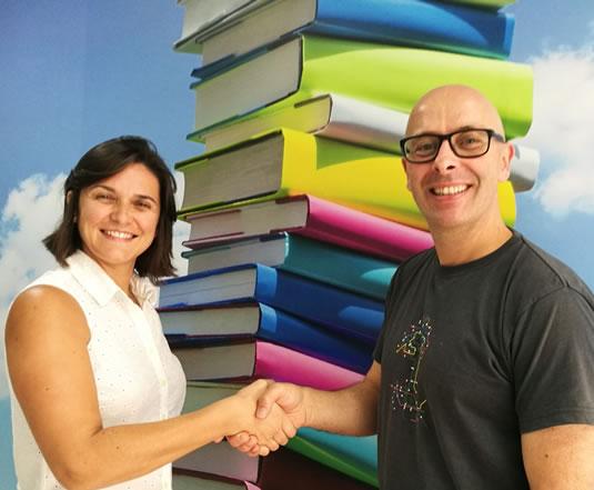 O Bill e a Tatiana, Coordenadora de cursos, em 2017