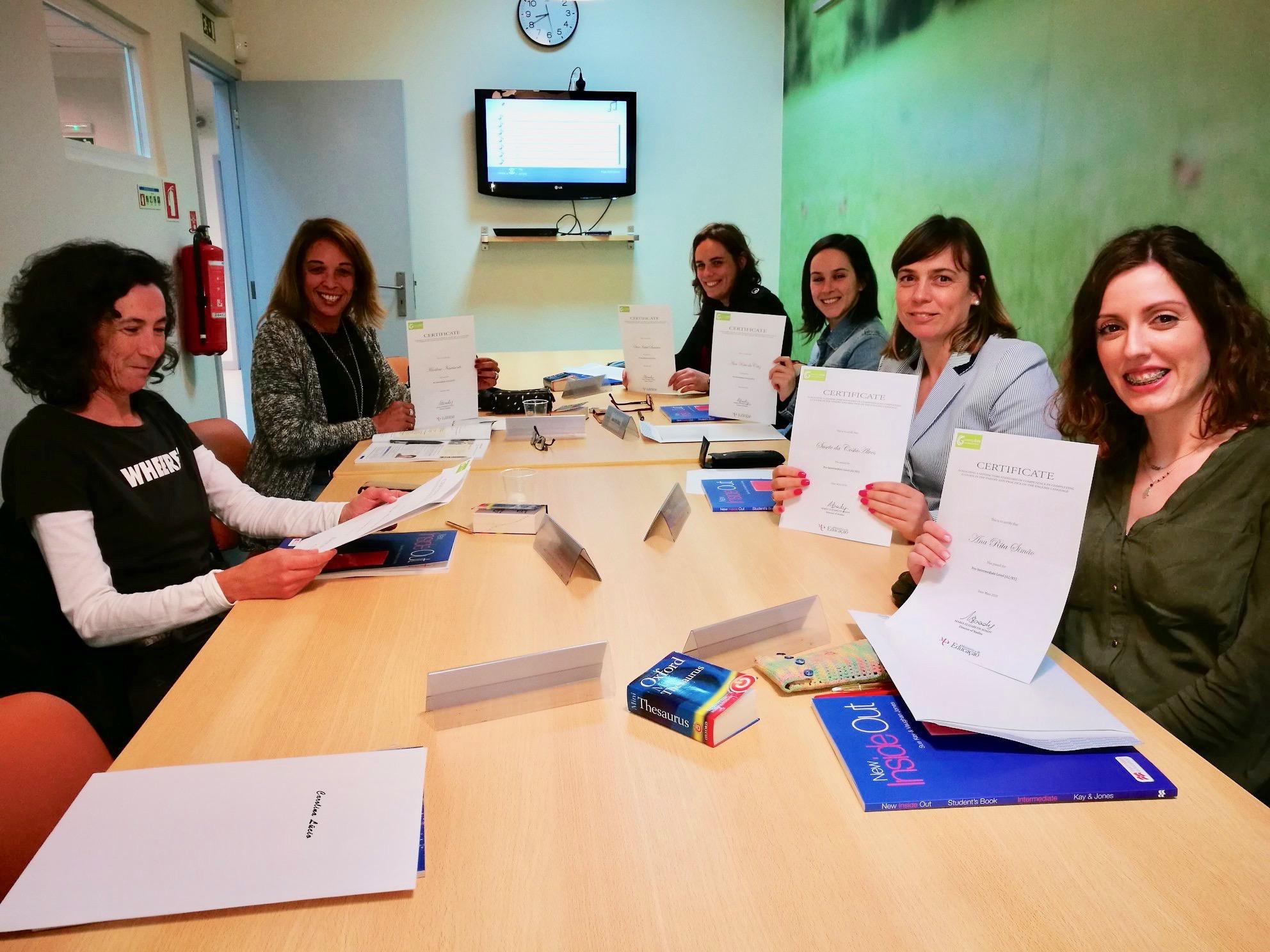 Entrega de Diplomas aos Estudantes do Curso Pré-intermédio